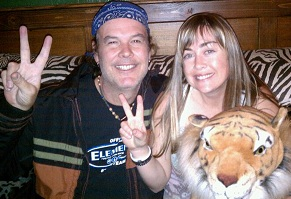 Chris Tinney & Tysha Tinney